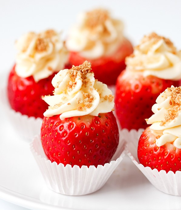 cheesecake-stuffed-strawberries-3